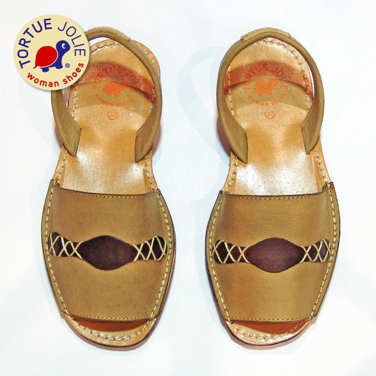 Aviator Camel  #Sandals #Style #StreetStyle #Trend #WomanShoes #FashionBlogger #ShoeLover #FashionLadies #ShoeLovers #SummerStyle #Piestureo #Sandalias #Sandales #Menorquinas #Zapatos #TortueJolie
