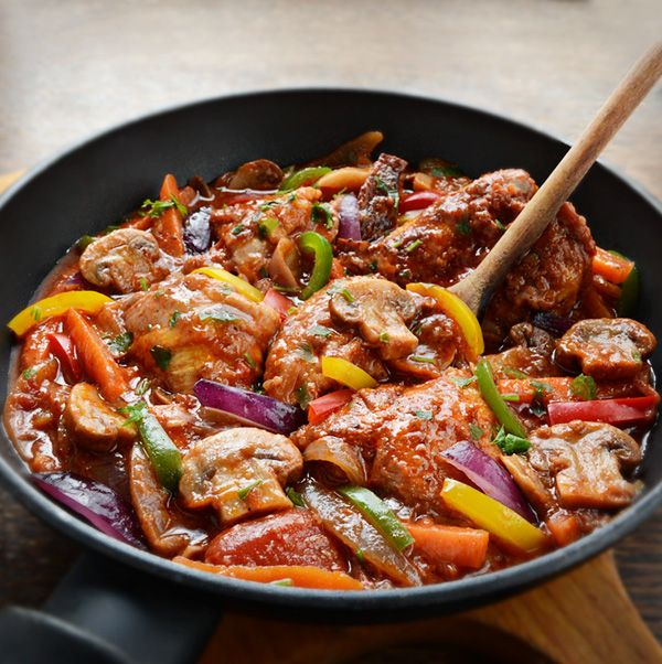 ... chicken, onion, bell peppers, mushrooms, tomatoes and red wine. More