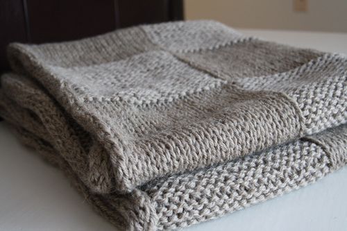 blanket, throw - Ravelry: Hip To Be Square Blanket pattern by Jennifer Braico