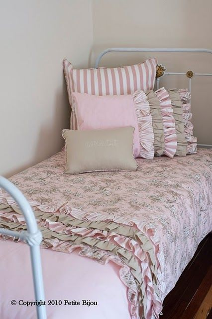 Love love love - cute for a little girl's room
