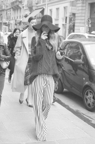 Floppy Hat and Striped Pants - This Is What Street Style Looked Like in the '70s - Photos