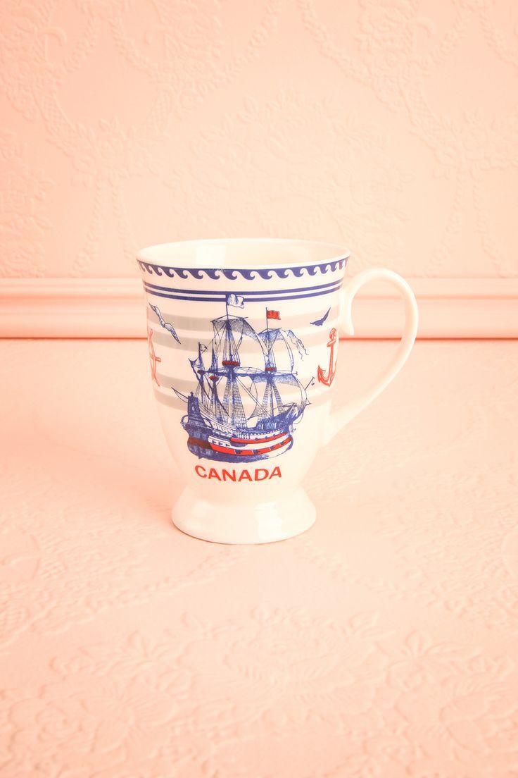 """White and navy nautical cup with a """"Canada"""" inscription - Tasse blanche et bleu à motif nautique à inscription """"Canada"""""""