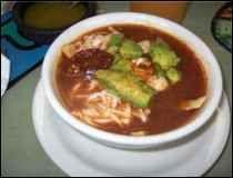 Sopa Azteca - Receta de Tradición Mexicana - GuiaDeTacos.com ::México::