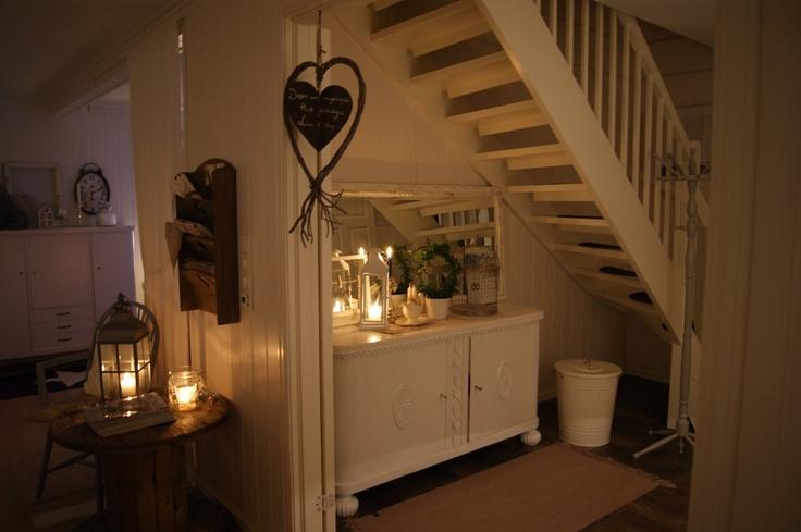Aproveitando o espaço de baixo da escada: Candles
