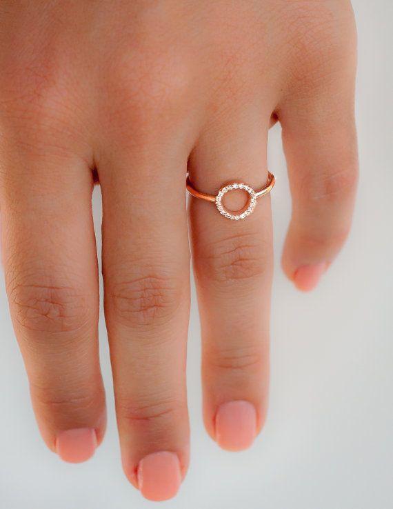Diamond Ring Rose Gold Engagement Ring door milajewellerydesign