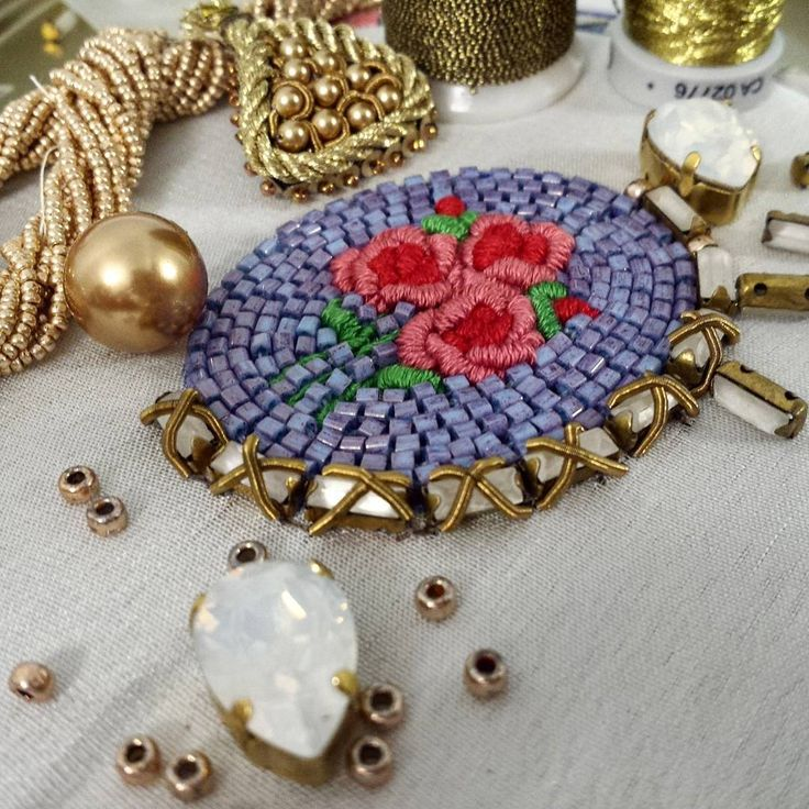 #embroidery #beads #beadwork#beautiful#mywork #вышивка#ручнаяработа#украшенияручнойработы #handembroidery #jewelry #handmadejewelry #greenbirdme