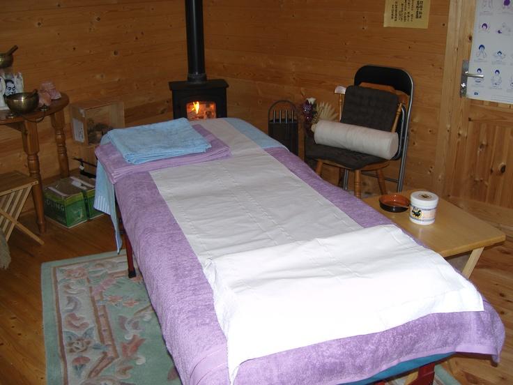 The Log Cabin - Barton Le Clay  http://thelogcabin.eu/