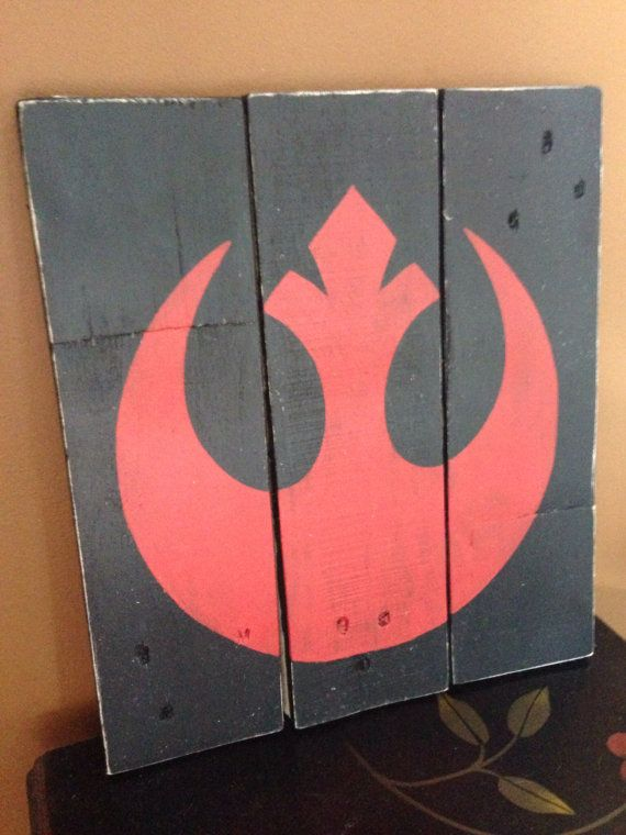 Know someone who is a Star Wars fan?! This Rebel Alliance wood sign would make a great addition to their room/home! This sign is a great shelf item!