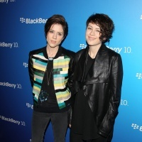 Tegan And Sara | GRAMMY.com: Blackberries 10, Photo, Tegan And Sara