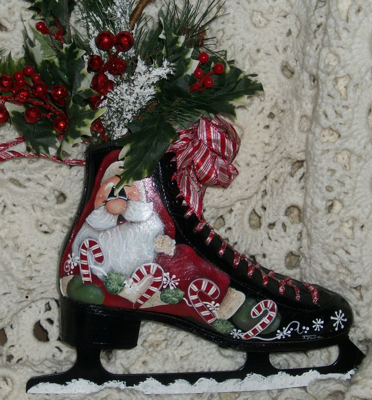 painted ice skate , painted by paintasticloe at tvcloe@gmail.com  -- pattern by Oil Creek Originals---