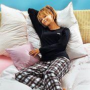 Тёплая, уютная пижама. Прекрасный покрой, нежное, приятное на ощупь качество! Рубашка из джерси. Брюки из теплой фланели. Удобный пояс с кулиской. Из чистого хлопка. за 2099р.- от Otto