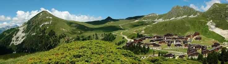 Vacances dans les Alpes à La Plagne Montalbert avec MMV http://bougerenfamille.com/vacances-dans-les-alpes-en-famille/