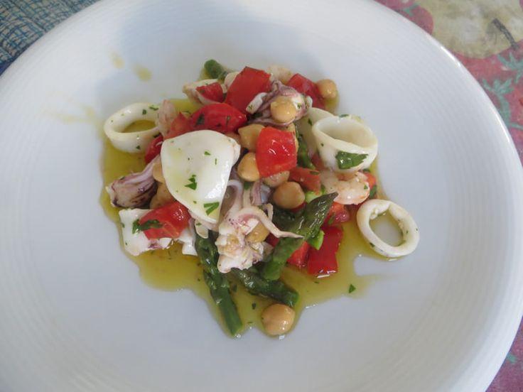 calamari, gamberi, asparagi, ceci