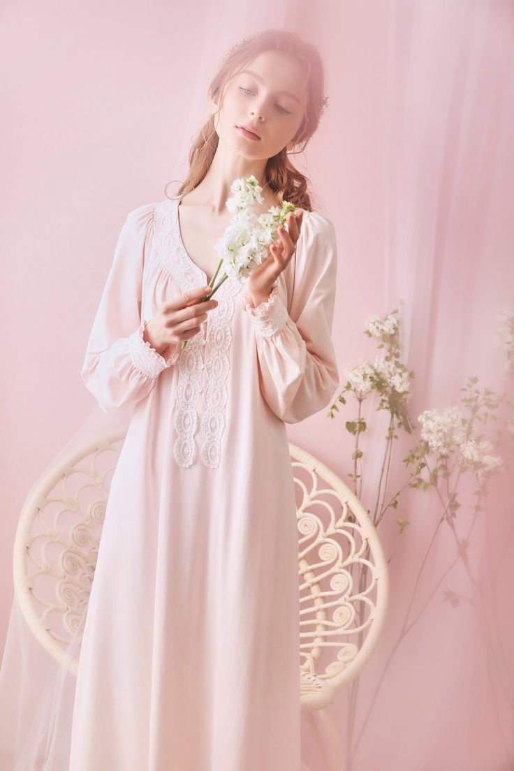 Ripple Cotton Lace Royal Style Vintage Long Sleeve Night Gown Fall