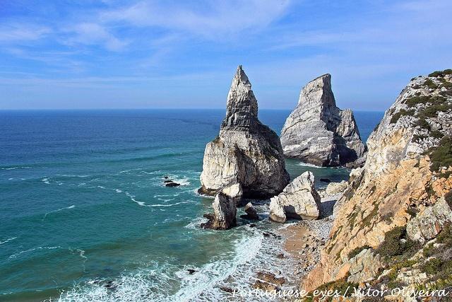 Pedra da Ursa - Portugal by Portuguese_eyes, via Flickr