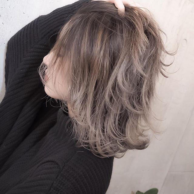 ......my works...... お客様〜 #shachu#hair#color#ヘア#ヘアカラー#ハイライト#グラデーションカラー#ブロンド#グレージュ#ベージュ#卒業式#卒業式ヘア#卒業式ヘアカラー#のご予約ご相談はお早めに