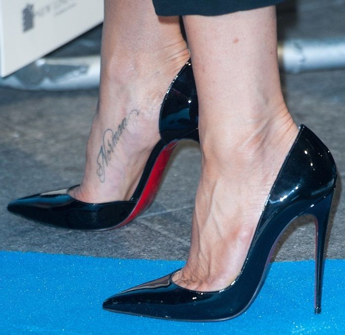 "6c5710fcd66f Jennifer Aniston completed the ensemble with ""Iriza"" pumps from Christian  Louboutin"