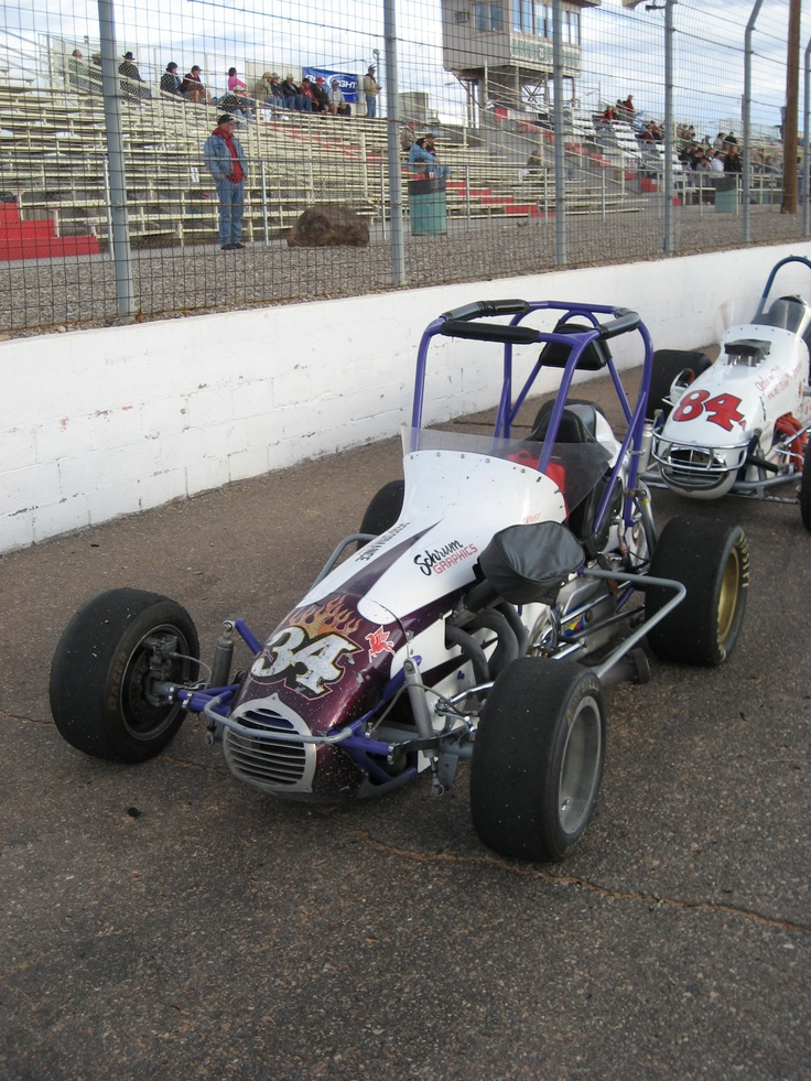 Car magazine midget sprint