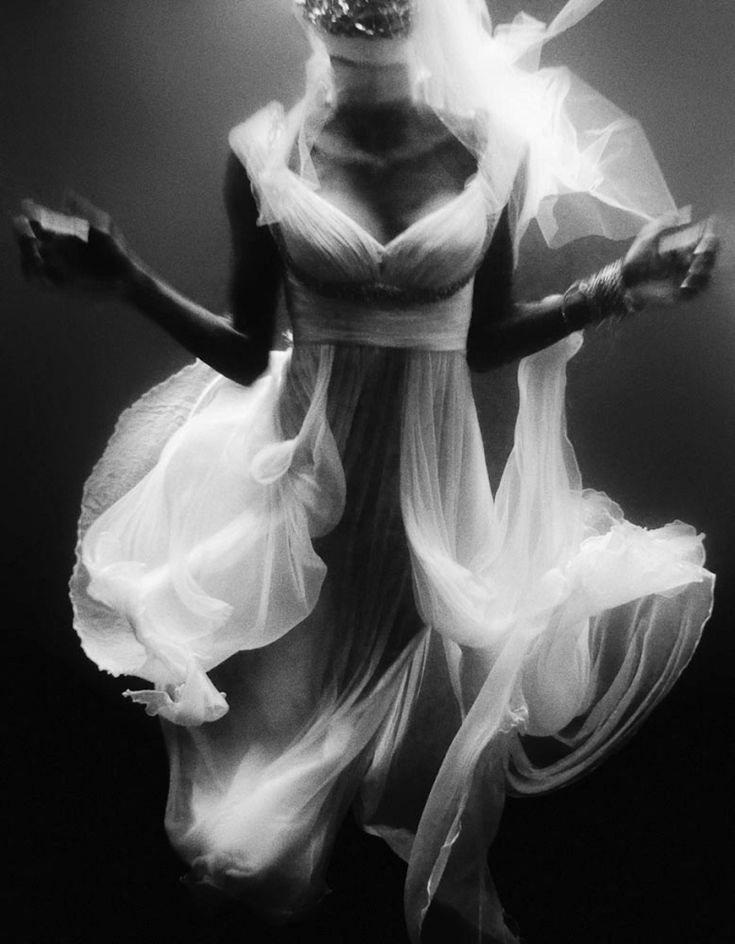 Best Underwater Photography Loves Images On Pinterest - Amazing black white underwater photography