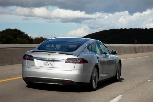 tesla model s silver | ... 2013 Car of the Year: Tesla Model S | Photo Gallery - Yahoo! Autos