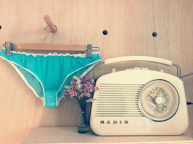 Trabajando en cositas nuevas  #lenceria #femenina #ropaintima #ropainterior #lencería #culotte  #taller #workshop #atelier #mademoissellepatty #madewithlove #localmade #workingdreams #lovelyplace #magicplace #mydream #girona #gironamenamora #costabravacool #madewithlove