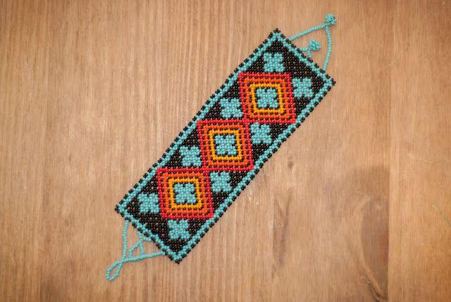 New Design! Free Huichol Bracelet Pattern | The Bumblebead