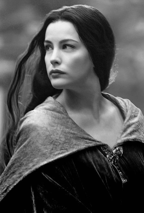 normally I don't like posting pics of well-known characters, but this one of Arwen is just so beautiful
