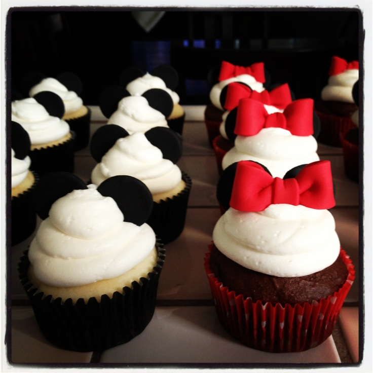 Minnie and Mickey mouse cupcakes | Baking Love | Pinterest ...