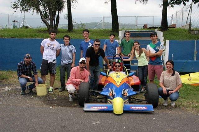 El día miércoles 16 de Julio, los alumnos del curso de Mecánica Automotriz , tuvieron un Track Day en el Autódromo Pedro Cofiño.