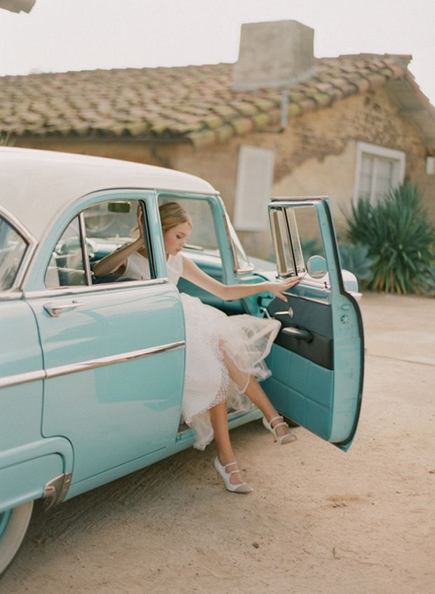 A blue ride  Take the blue route by hiring an blue vintage wedding car! Via Ruffled and Inspired Design
