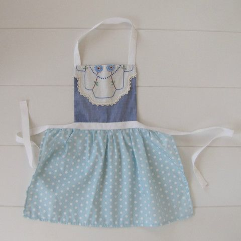 Little Ladies Vintage Embroidery Apron - MissMollyCoddle