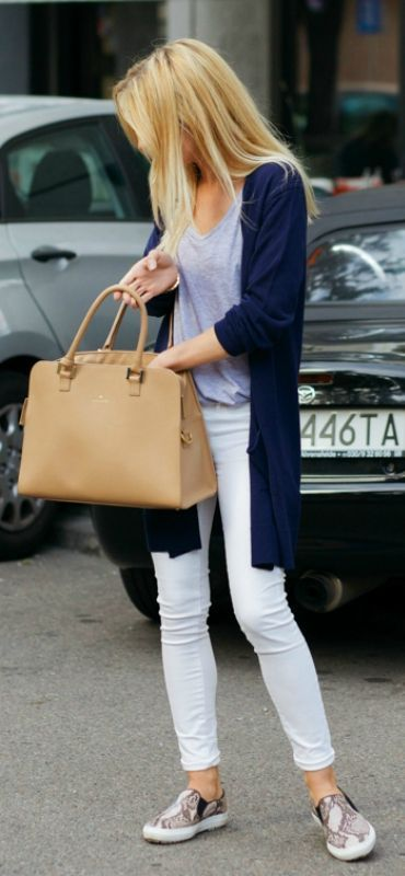 street style. white jeans. navy cardigan. nude bag.