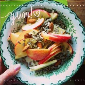Kickstarta 5 2 metoden veckan med ett nytt gott 5 2 metoden recept på Äppelgröt - snabbt, enkelt och gott med 236 kalorier.