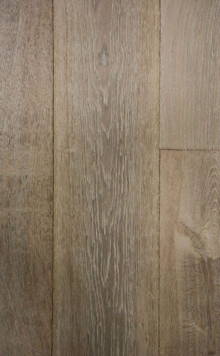 """AMBRE  Gamme de parquet vieilli Géo, fabriquée à partir de chêne français et européen de la meilleure qualité, issus de forêts certifiées PEFC. Produits finis et patinés, prêt à être posés. Les """"Géo"""" sont disponibles en chêne massif ou en contrecollé, en largeur standard ou à vos mesures."""