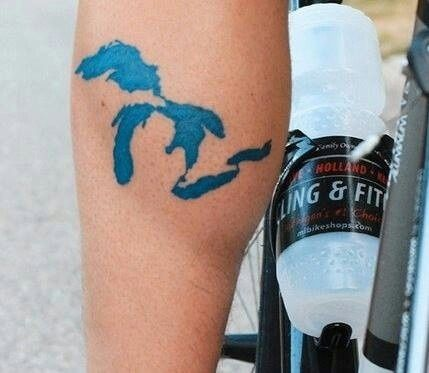Great Lakes / 43 Rad Tattoos To Pay Tribute To Your Favorite Place (via BuzzFeed)