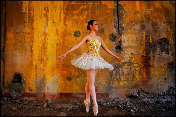 Final ballerina and wall - Photo by Joe McNally