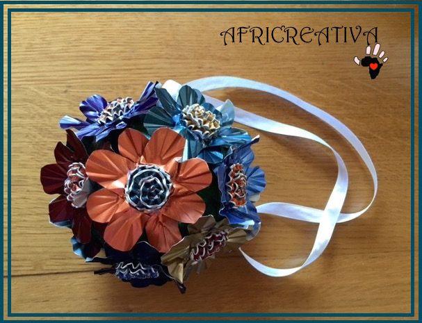 fiori da giardino giardino fiorito : AFRICREATIVA: ADDOBBO FIORITO da appendere con FIORI realizzati con ...