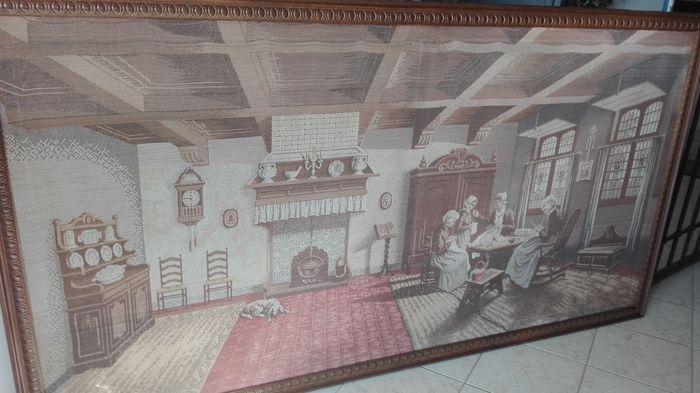Muur tapijt - canvas - tweede helft van de 20e eeuw  Mooie oude wandtapijten van de muur op canvas; goed bewaard gebleven en in uitstekende conditie. Het item wordt geleverd met het frame blijkt uit foto's. Over het geheel genomen maat: 200 x 106 cm (inclusief kader).Het tapijt beeldt de kamer waar eens vrouwen samenkwamen om te breien en naaien.  EUR 80.00  Meer informatie