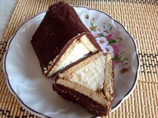Curd dessert «House» Ingredients: 200 grams of cottage cheese 10 tablespoons sugar 250 grams of butter 4 tablespoons cocoa 15 pieces of shortbread