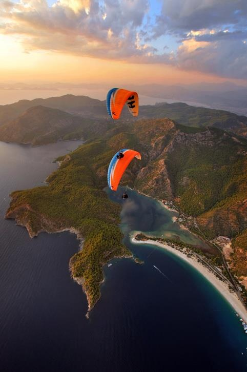 Paragliding in Ölüdeniz, Turkey