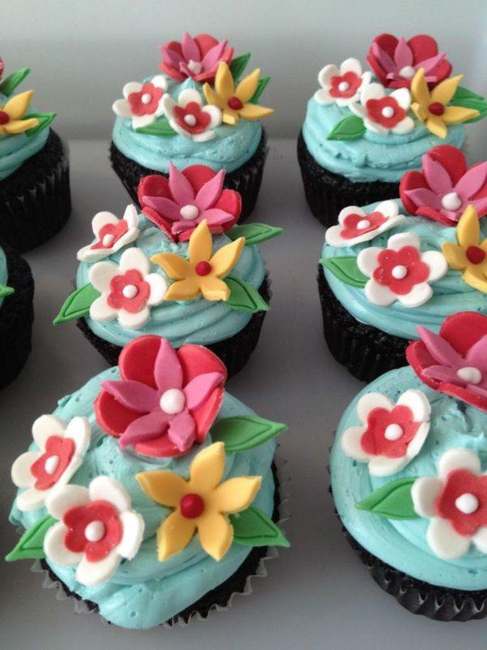 Schlemmen Bei Der Hochzeit In Munchen Hier Finden Sie Die Besten Torten Mit Bildern Coole Torten Cupcakes Torten