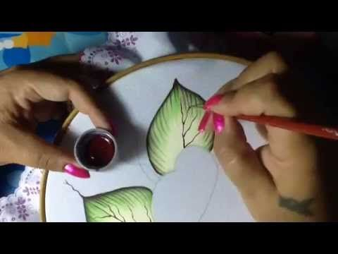 Pintura en tela en este video te enseño a realizar las hojas del camino...no olvides suscribirte a mi canal y darles me gusta a mis vídeos