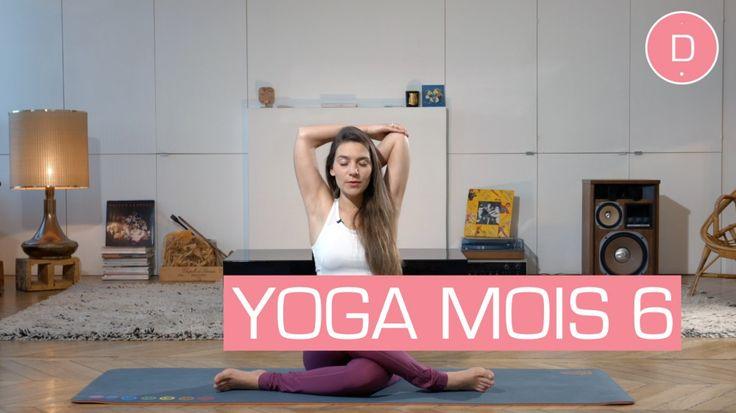 Cette séance de Yoga dédiée au 6 ème  mois de grossesse vous propose de vous étirer! Avec Delphine Bourdet, professeur de yoga, vous allez libérer vos tensions musculaires et étirer vos muscles autour du bassin et du bas du dos. Attention à ne pas pousser les étirements trop loin. Vous êtes souple grâce à la relaxine, une hormone secrétée par le placenta vers la 12e semaine de la grossesse et qui tend à assouplir les articulations et à relâcher les ligaments pour préparer le corps à…