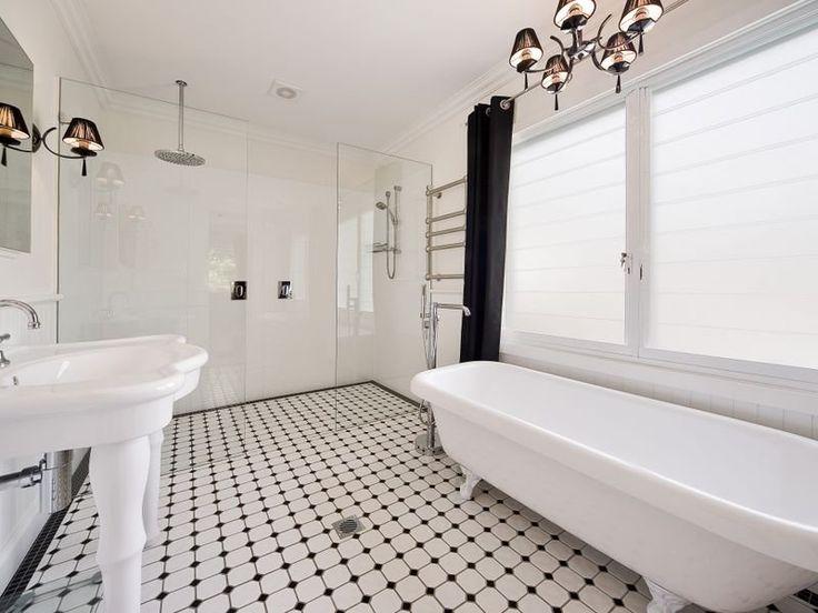 Black and white bathroom #bathrooms #black #white