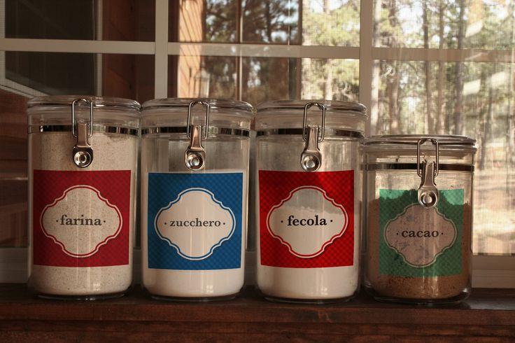 Non solo bottiglie. Su Combicom puoi stampare tante #etichette #personalizzate per dare sfogo alla tua creatvità. www.combicom.it