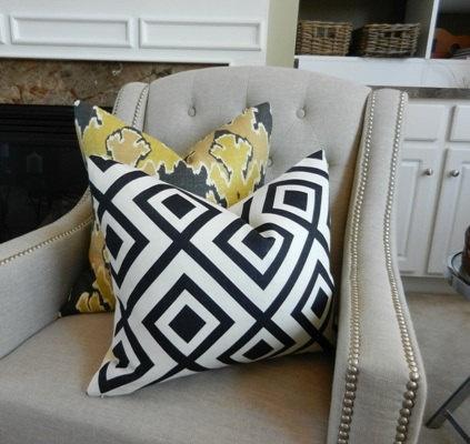 KW Bengal Bazaar and David Hicks La Fiorentina: Decor Ideas, Bengal Bazaars, Kw Bengal, Hicks La, Designer Pillows, David Hicks, Fiorentina, Sit Rooms, Design Pillows