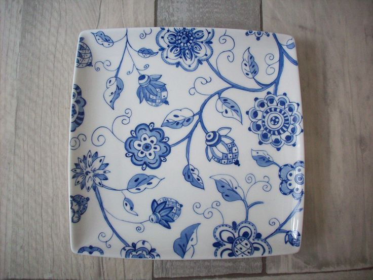 Love blue! Handpainted by Corrien Dünar. Inspired by some gift paper.