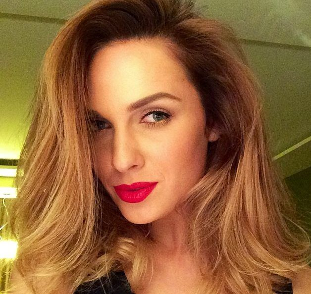 Make-up, red lips