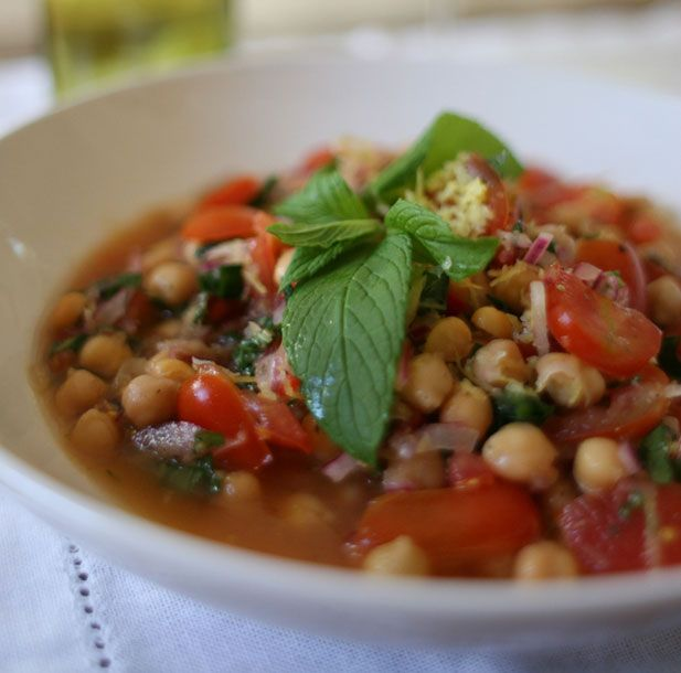 Chickpea, chilli, lemon & mint salad - Yuppiechef Magazine