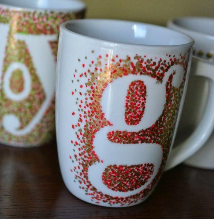 zu Weihnachten Tassen bemalen